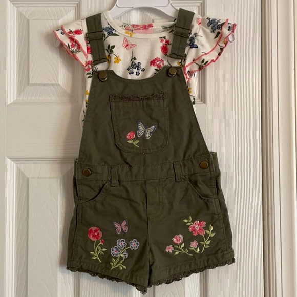 Embroidered overall shorts set!
